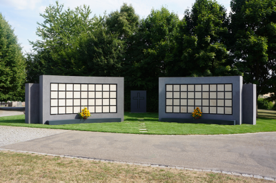 Urnenwand Kolumbarium K2 Friedhof Höchberg Urnenwandmanufaktur Neher+Partner